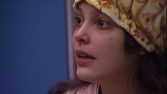 Emilly se emociona ao falar da mãe: 'É o meu maior sofrimento'