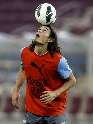 Cavani Uruguai treino (Foto: Reuters)