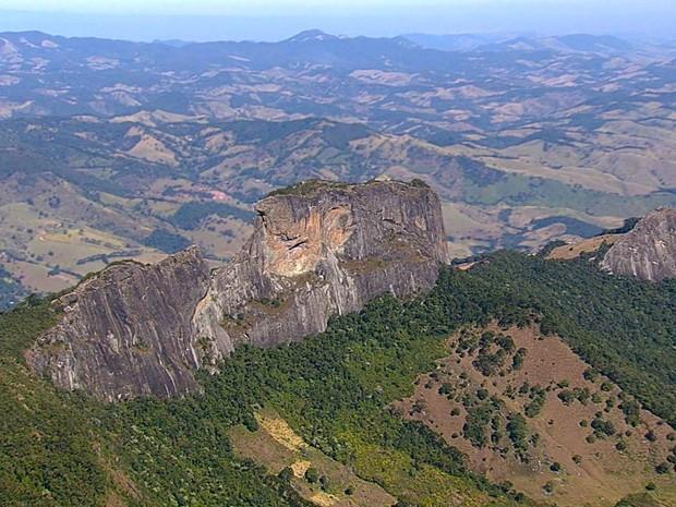 Pedra do Baú em São Bento do Sapucaí (Foto: Reprodução/TV Vanguarda)