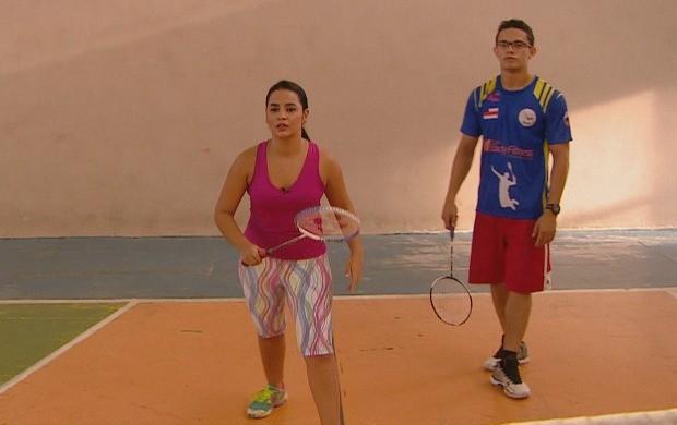 Ruthiene Bindá se arrisca no badminton (Foto: Amazônia Revista)