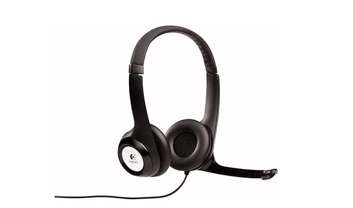 Headset tem design compacto com som estéreo e microfone (Foto: Divulgação/Logitech)