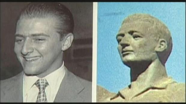 Comparação da estátua do Bellini com Hamilton Sbarra (Foto: SporTV)