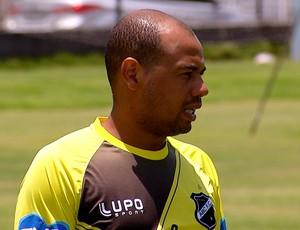 Gil - atacante do ABC (Foto: Reprodução/Inter TV Cabugi)