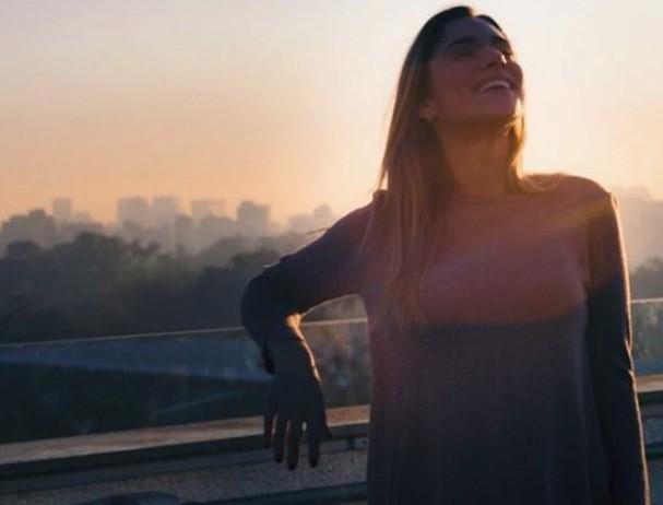 Mariana escolheu a Astrologia para ser mais feliz  (Foto: @fecarnevale)