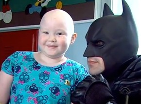 Batman Ajuda Trabalhar Autoestima De Crianças Com Câncer Em