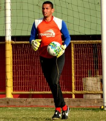 Cleverson, goleiro do Rio Branco (Foto: Nathacha Albuquerque)