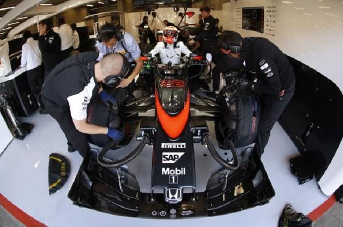 Jenson Button durante 2º treino livre para o GP da Bélgica (Foto: Divulgação)