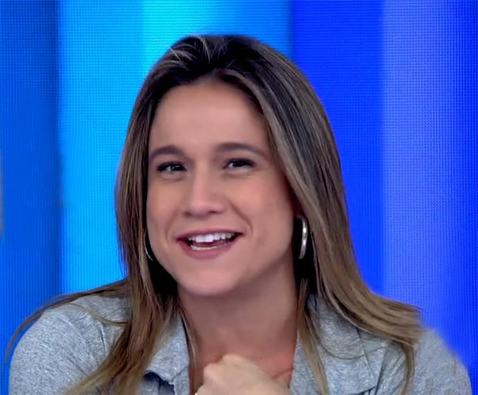 Fernanda Gentil brinca e apresenta o Vídeo Show (Foto: Vídeo Show / Gshow)