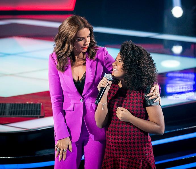 Ivete Sangalo recebe Bebé Salvego no The Voice Kids (Foto: Isabella Pinheiro/Gshow)