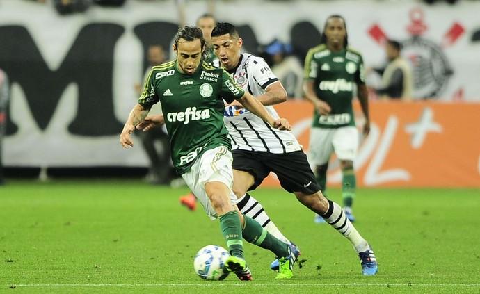 Corinthians x Palmeiras Ralf Valdivia (Foto: Marcos Ribolli)