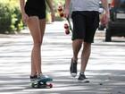 Apesar dos boatos, Miley Cyrus não cancelou o casamento, diz revista