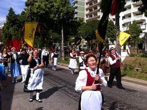 Desfile da Bauernfest em Petrópolis (Foto: Karen de Souza/Intertv)