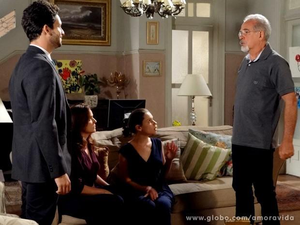 Amadeu autoriza Rafael a sair com Linda (Foto: Amor à Vida/TV Globo)