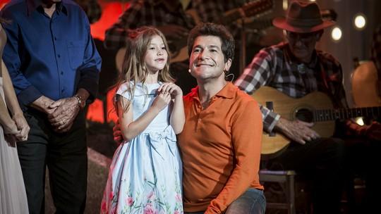 Filha de Daniel arrasa cantando Adele no 'Tamanho Família'