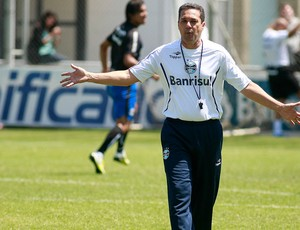 Luxemburgo no treino do Grêmio (Foto: Wesley Santos / PressDigital)