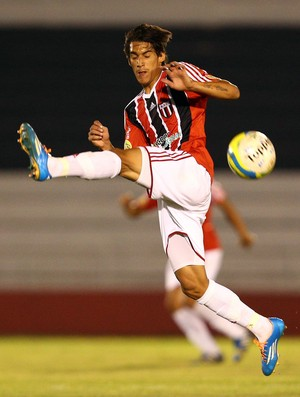 Gimenez, volante do Botafogo-SP (Foto: Thiago Calil/Ag. Botafogo)