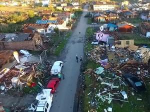 Ao todo 400 casas foram afetadas e 40 foram destruídas em São Francisco de Paula (Foto: RBS TV/Reprodução)