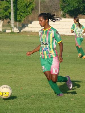 Taciana Saana marcou os três gols na vitória do Picos (Foto: Emanuele Madeira/GLOBOESPORTE.COM)