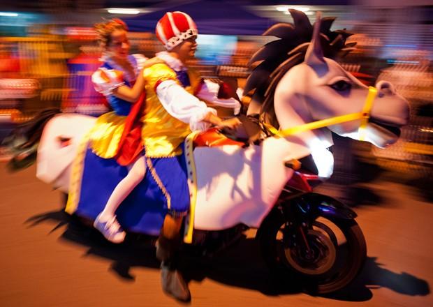 Moto-Halloween Party 2012 na Colômbia (Foto: Luis Robayo / AFP)