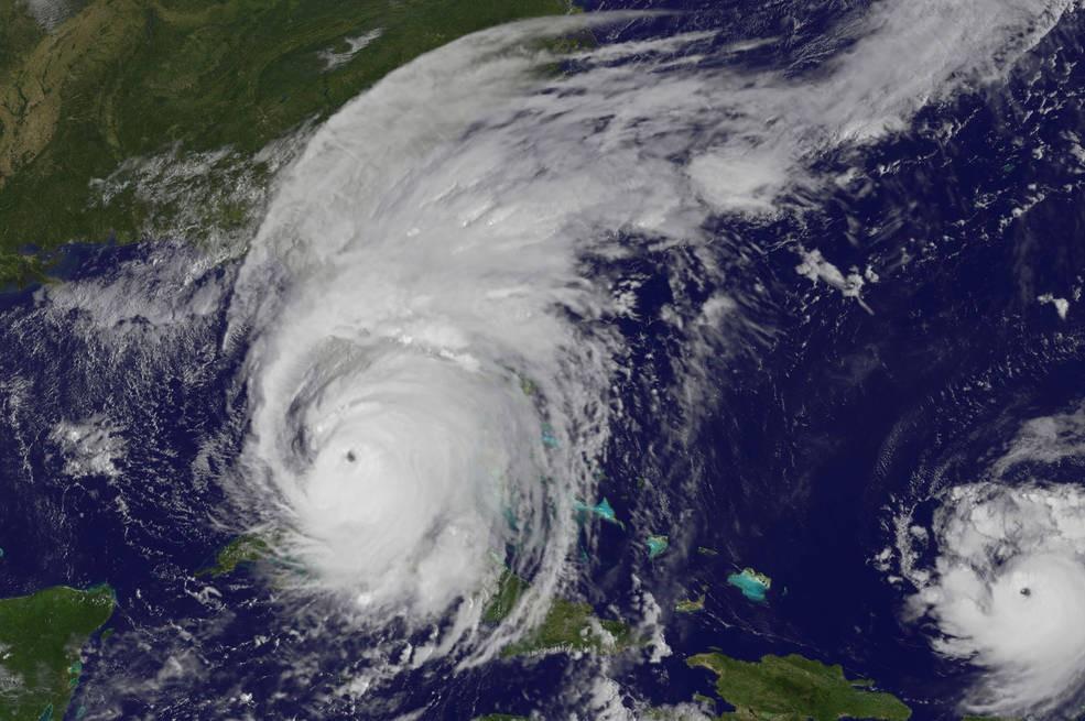 Imagem tirada em 10 de setembro de 2017, às 9:25 da manhã, quando o furacão Irma chega à Florida. No canto direito está o furacão José (Foto: NASA/NOAA GOES Project)