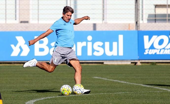 Renato treino do Grêmio (Foto: Rodrigo Rodrigues/Divulgação Grêmio)