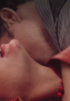 Bárbara Evans elogia cena quente com Cauã Reymond em 'Dois Irmãos'
