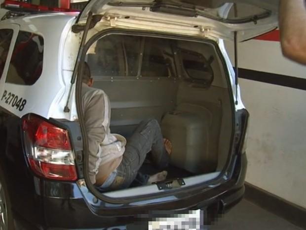 Suspeito foi preso duas horas depois pela polícia (Foto: Reprodução/ TV TEM)