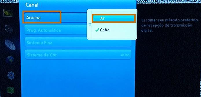 Escolha Ar no item de Antena na Smart TV Samsung (Foto: Reprodução/Barbara Mannara)
