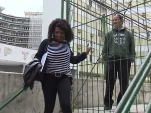 Quem procura a secretaria da escola também não é atendido (Foto: Reprodução/RBS TV)