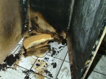 Detento ateou fogo em colchões da cela de isolamento (Foto: Reprodução RPCTV Noroeste)