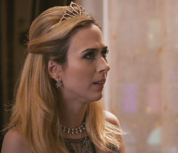 A patricinha insiste para saber o motivo de Leozinho para desistir do casório (Foto: TV Globo)