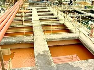 Tratamento de água em Colatina (Foto: Reprodução/ TV Gazeta)