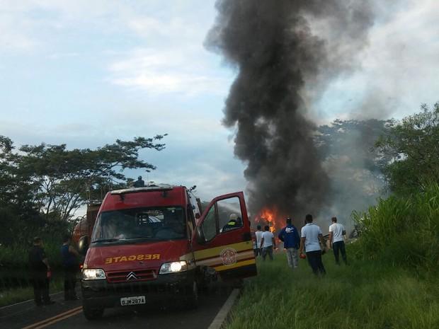 Duas vítimas foram socorridas para a Santa Casa de Dracena (Foto: Edmar Alves de Macedo/Cedida)