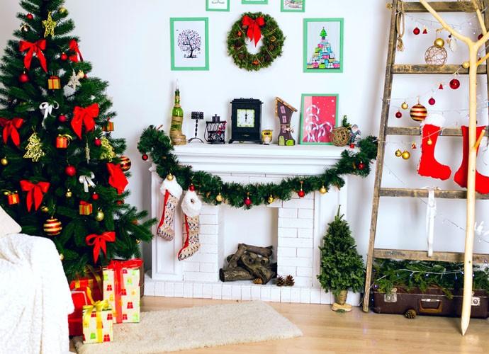 Pequenos toques dão um charme especial na decoração da sala para o Natal  (Foto: Divulgação)