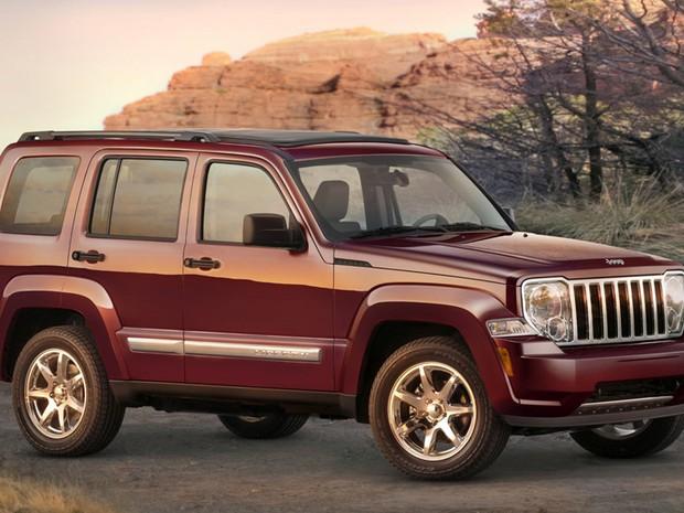 Com a chegada do Jeep Cherokee 2014, Liberty sai de linha. Modelo foi comercializado no Brasil como Cherokee Sport.  (Foto: Divulgação)