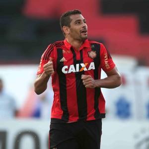 Diego Souza Sport x Ponte Preta (Foto: Aldo Carneiro / Pernambuco Press)
