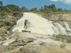 Estiagem transforma cachoeiras em paredes de pedra em Poços, MG