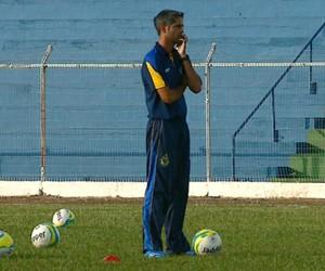 Técnico do São Carlos, Rodrigo Santana (Foto: Ely Venâncio/EPTV)
