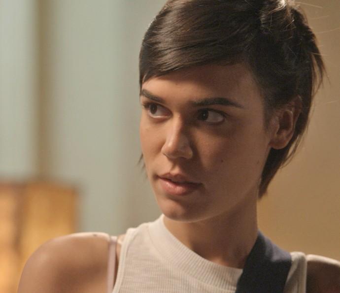 Leila não gosta de ver Jonatas (Foto: TV Globo)