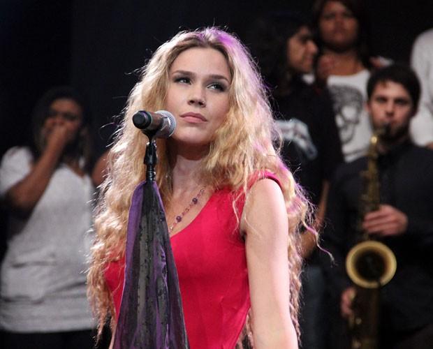 Joss Stone se apresenta no programa deste sábado (Foto: TV Globo/Altas Horas)