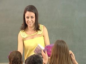 Professora Ana Cláudio Santo Antônio do Monte (Foto: Reprodução/TV Integração)