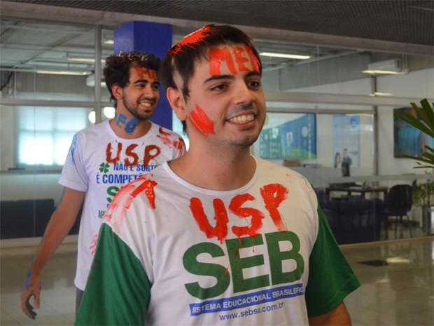 Gustavo Felipe Guarin encarou quatro anos de cursinho pré-vestibular para conseguir uma vaga no curso de medicina da USP (Foto: Fernanda Testa/G1)