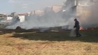 Bombeiros controlaram incêndio em terreno ao lado do Sesc de São Carlos