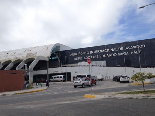 Fachada do Aeroporto Internacional Luís Eduardo Magalhães (Foto: Henrique Mendes/G1)