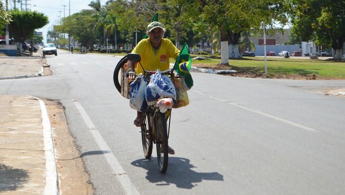 Jailton Ferreira diz que a viagem deve terminar apenas em 2016 (Foto: Pâmela Fernandes)