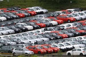 Carros no pátio da Volkswagen, em São Bernardo do Campo (Foto: Paulo Whitaker/ REUTERS)