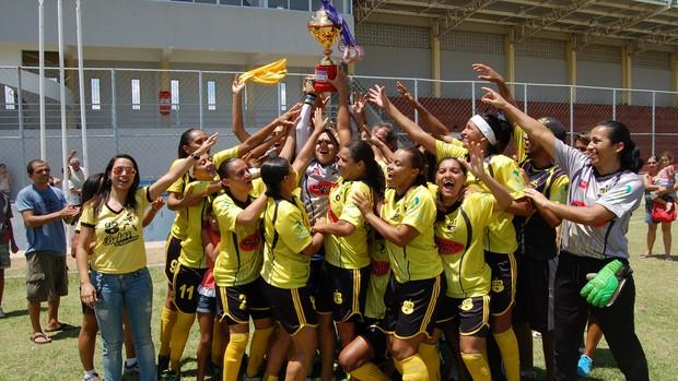 Kashima, time campeão paraibano de futebol feminino (Foto: Larissa Keren / Globoesporte.com/pb)