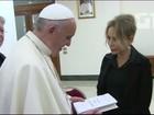 Um cardeal, um preso e um comediante ilustram livro do Papa