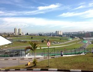 Corredores avaliam Revezamento Ayrton Senna em São Paulo (Foto: Patricia Palhares / Globoesporte.com)
