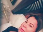 Zilu posta foto sem curativo da cirurgia e reclama de insônia
